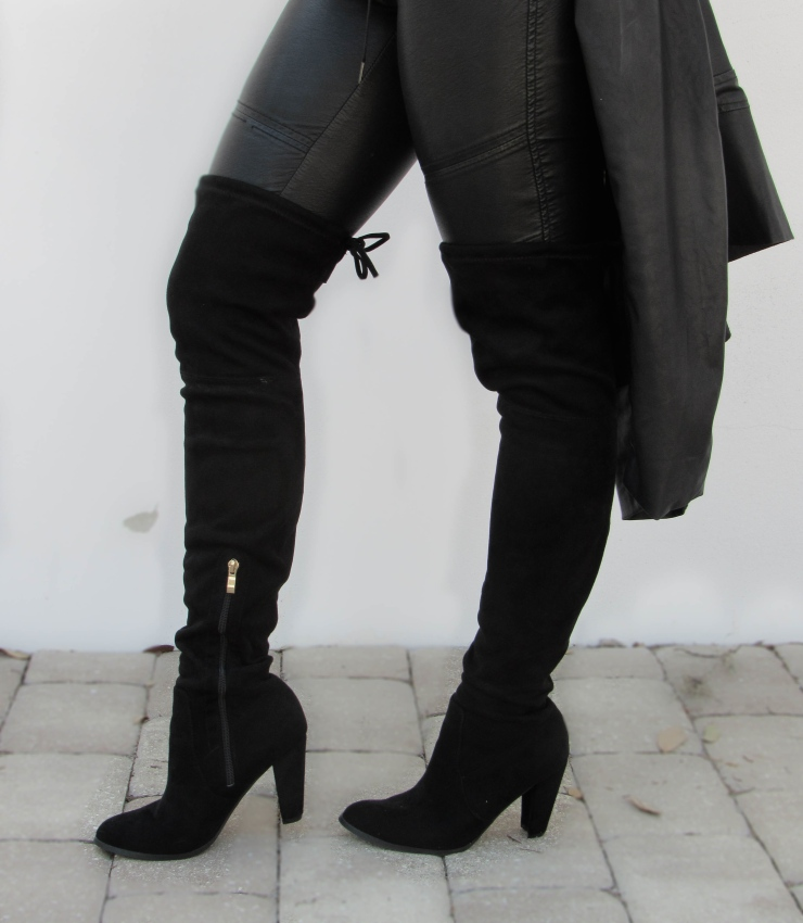 knee-high-black-boots-blogger-style