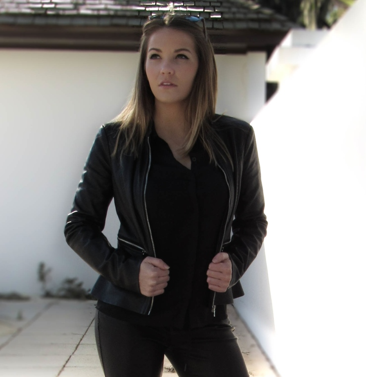 zara-black-outfit-blogger-style
