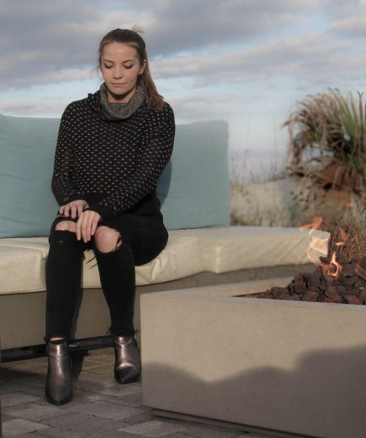 knitwear-urbanoutfitters-black-zara-jeans-blogger-style