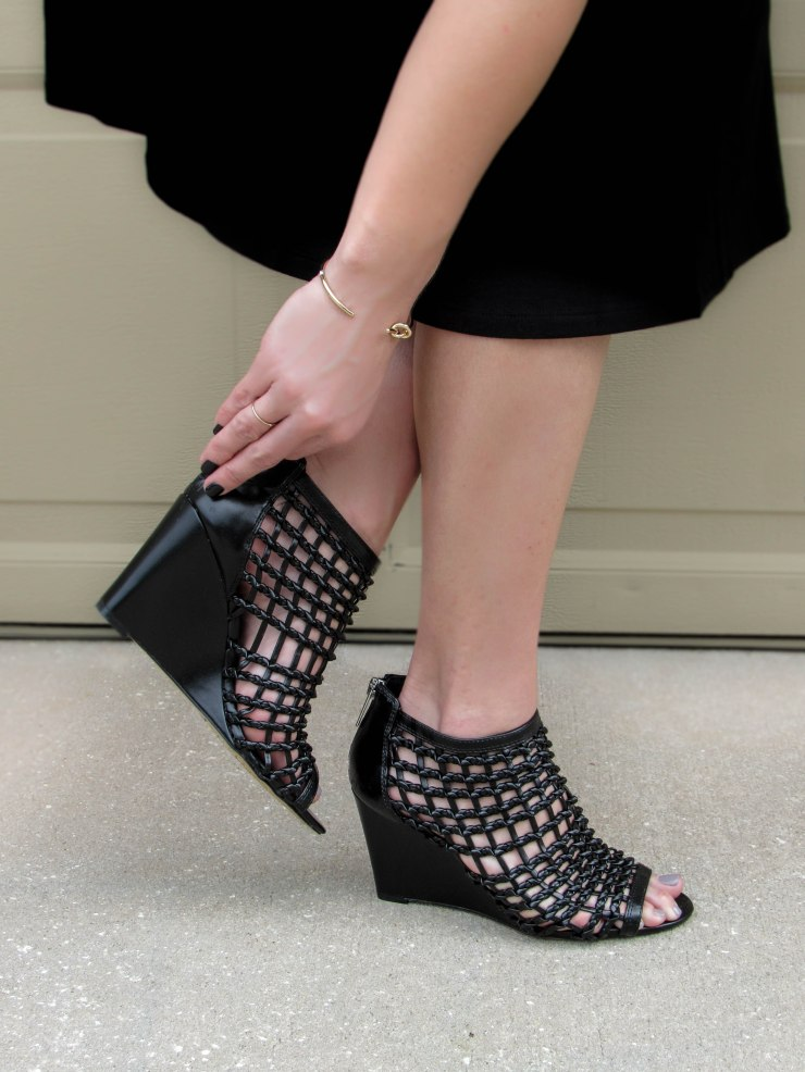 vince-camuto-xya-wedge-sandals-blogger-style