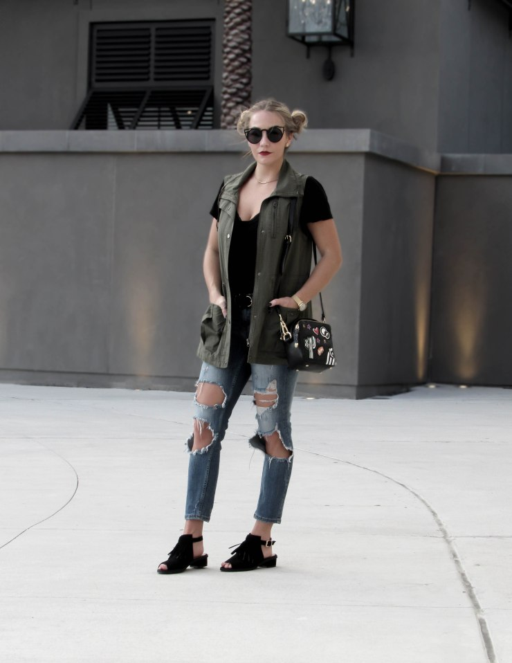 zara_patches_handbag_destroyed_jeans_topshop_sandals_fringe_pinterest_blog_style