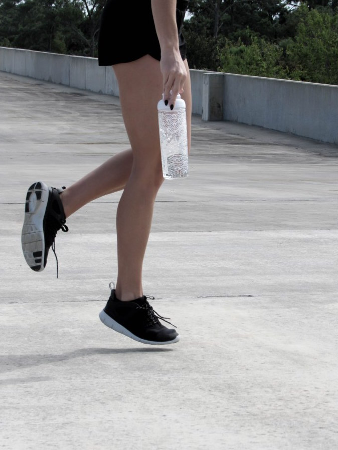 old_navy_athletic_wear_nike_women_free_viritous_black_running_shoes_workout_outfit_pinterest-2
