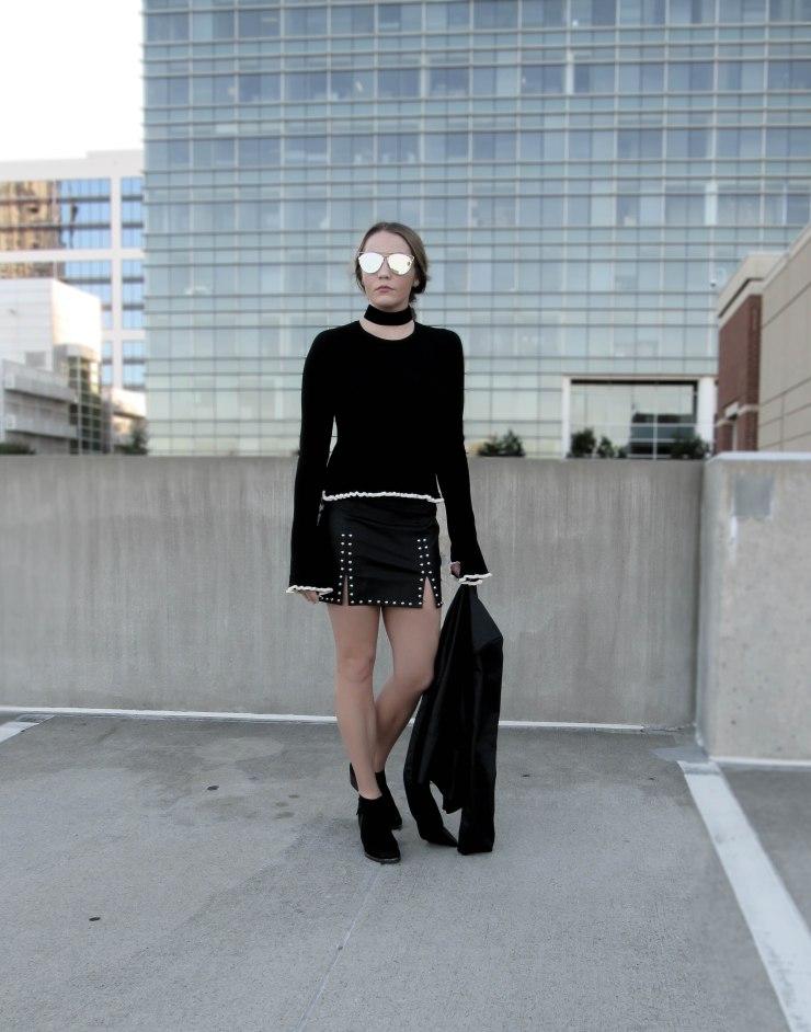 forever21_studded_mini_skirt_black_outfit_pitnerest_bloglovin