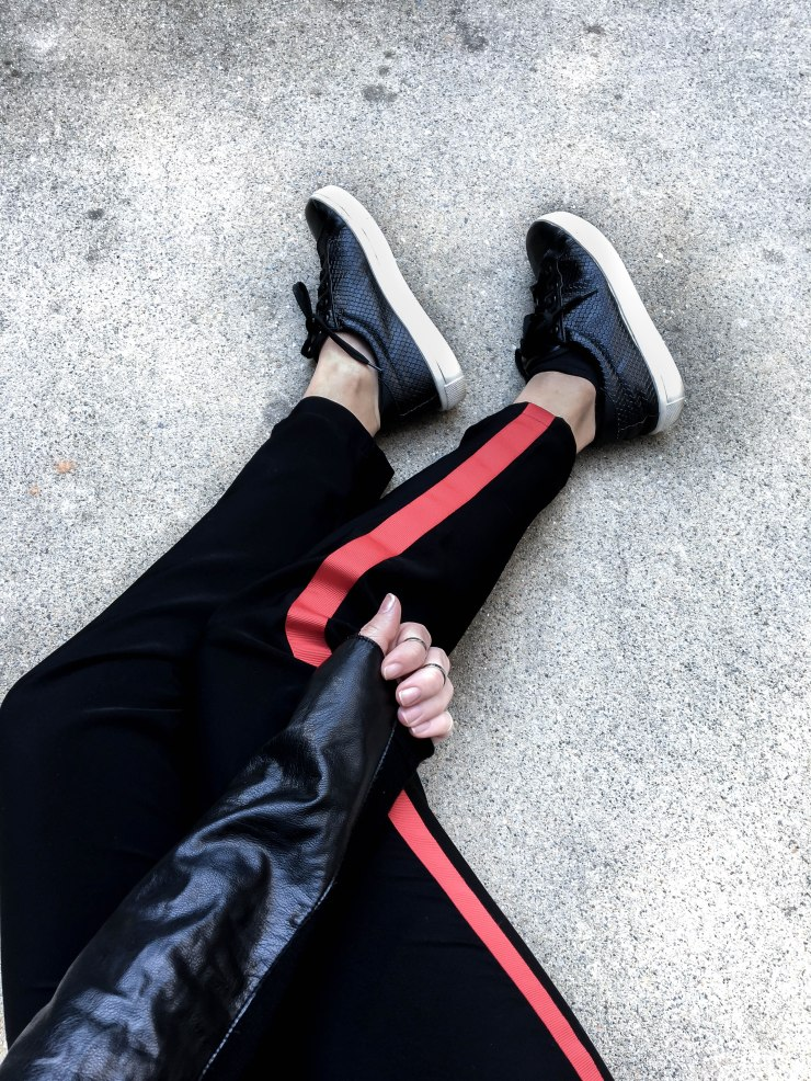 topshop_black_red_stripe_track_pants_outfit