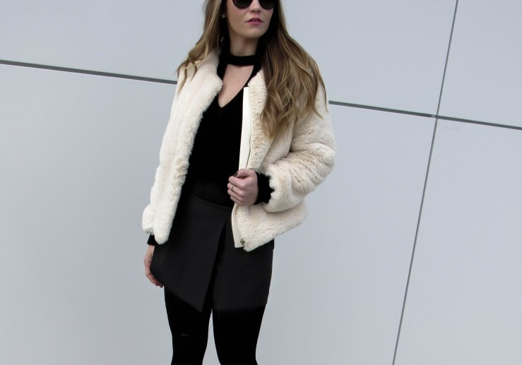 apricot-collarless-zip-up-faux-fur-coat-shein