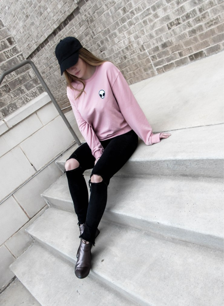 sweatyrocks-sweatshirt-women-pink-alien-patch-drop-shoulder-long-sleeve-shirt_amazon