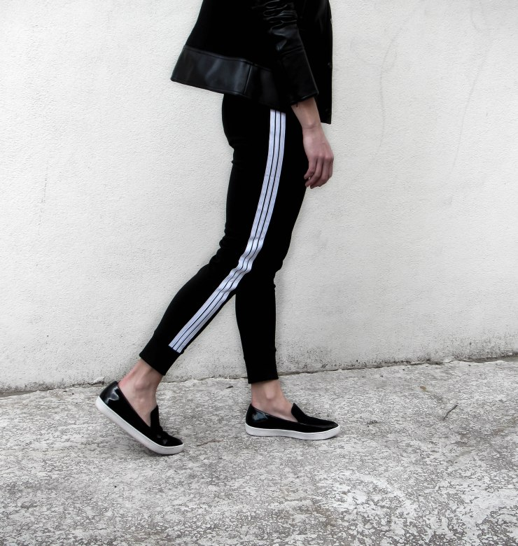 sweatyrocks_pants-women-drawstring-waist-striped-side-jogger-sweatpants__