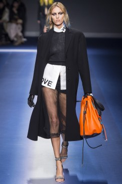 fall-2017-ready-to-wear_versace