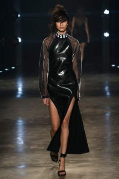 fall-2017-ready-to-wear:versus-versace