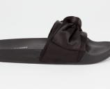 STEVE_MADDEN_SANDALS_BLACK_POOLSIDE