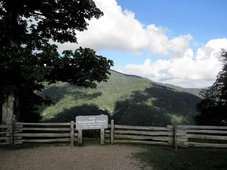 asheville_blue_ridge_parkway_mountain_side