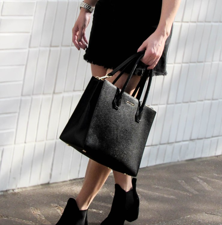 michael_kors_mercer_handbag_black