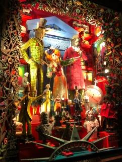 bergdorf-goodman-window-display-christmas-2017-to-new-york-with-love-