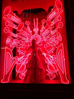 bergdorf-goodman-window-display-christmas-2017-to-new-york-with-love--