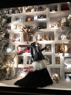bergdorf-goodman-window-display-christmas-2017-to-new-york-with-love