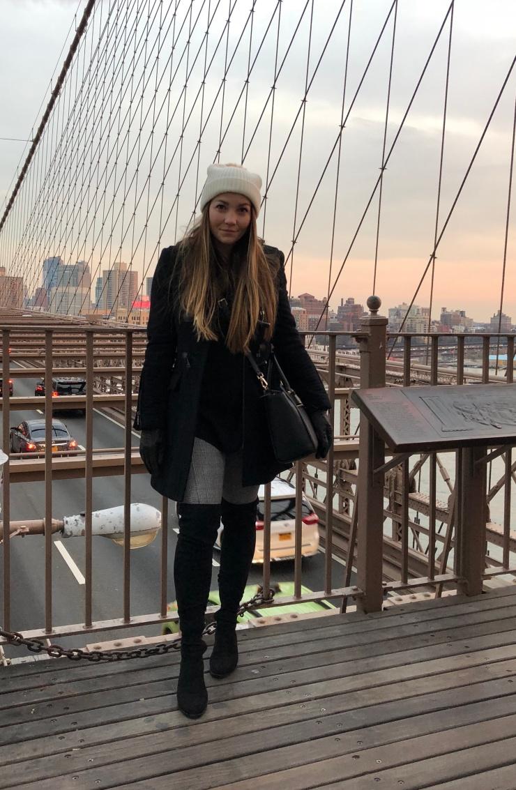 brooklyn-bridge-nyc-outfit-fall-2018-pinterest